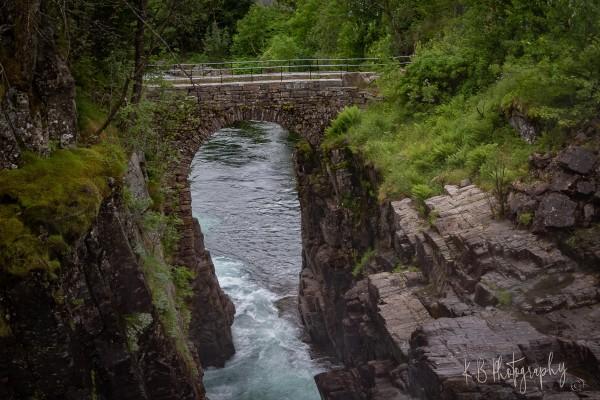 Hølland bro